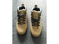 Women's Timberland smoothrock boots size 5 EU38 beige/foil grey