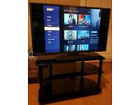 "Hitachi 40"" LED TV with Freeview"