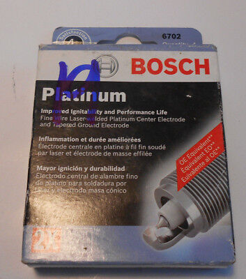 New Lot / Box of 4 Bosch  Platinum 6702 Plugs