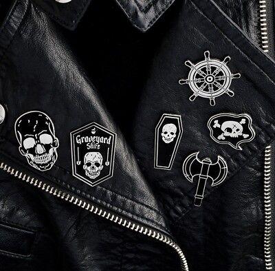 Halloween Totem Black Punk Rudder Pirate Skull Flag ax Witch Enamel Brooch Pins