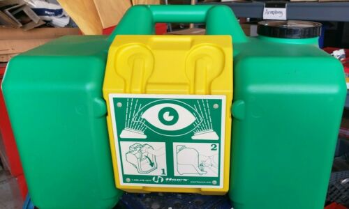 Haws 7501 Portable Eye Wash Station