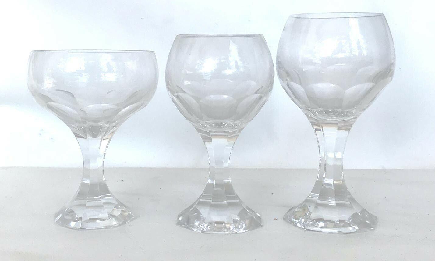 Servizio di bicchieri con caraffe in cristallo al piombo. Vintage 1960.