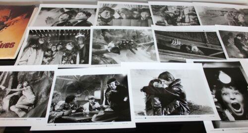 ORIGINAL THE GOONIES - PRESS KIT FOLDER, PHOTOS, PRODUCTION INFO 1985
