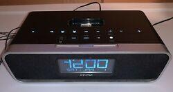 iHome IA91 Alarm Clock Speaker Radio 30-pin Docking Station (iPod iPhone 30-pin)