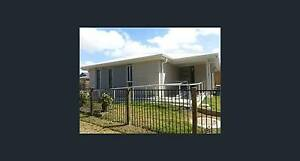 1/2 Sunbird Lane - Single bedroom unit with utilities included Andergrove Mackay City Preview