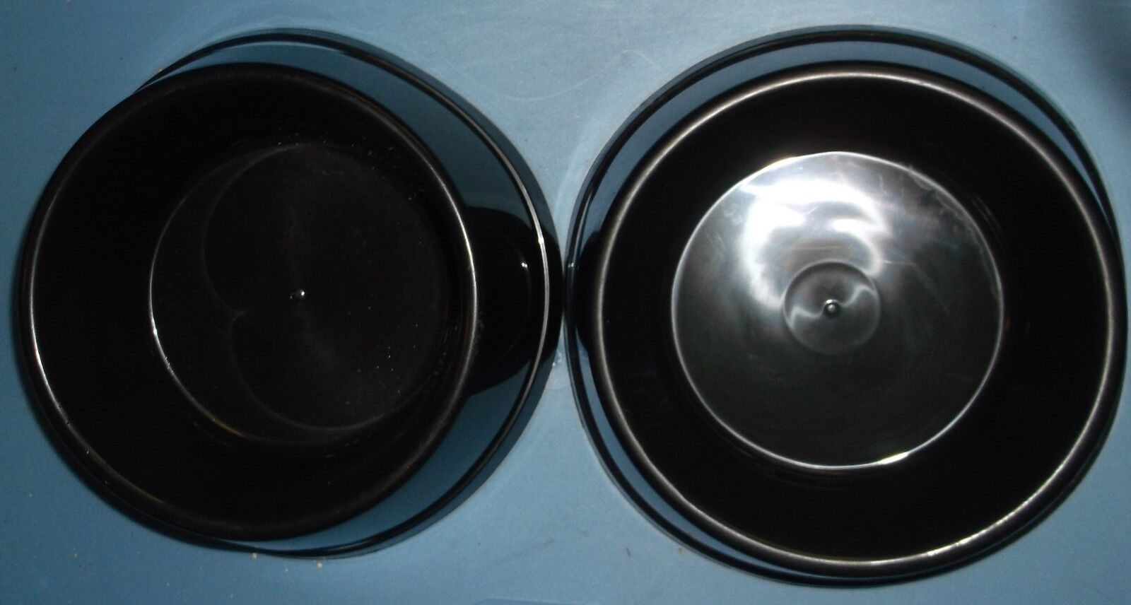 IKEA LURVIG PETS STABLE DOG CAT PUPPY FOOD WATER BOWL DISH BLACK LOT OF 2 NEW