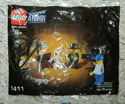 New 2001 Lego Studios Pirate Treasure Hunt Skeleton Captain Chest Gold #1411