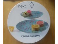 Porcelain 2 tier cake stand and metal cupcake holder