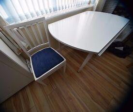 White Dinning Set