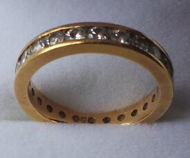 18CT YELLOW GOLD & DIAMOND FULL ETERNITY RING - INSURANCE VALUATION £3,475.00 (SN98)