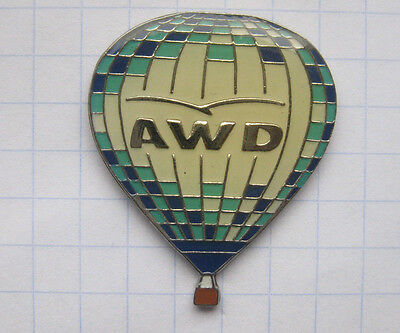 AWD  ............................ Ballon-Pin (101j)