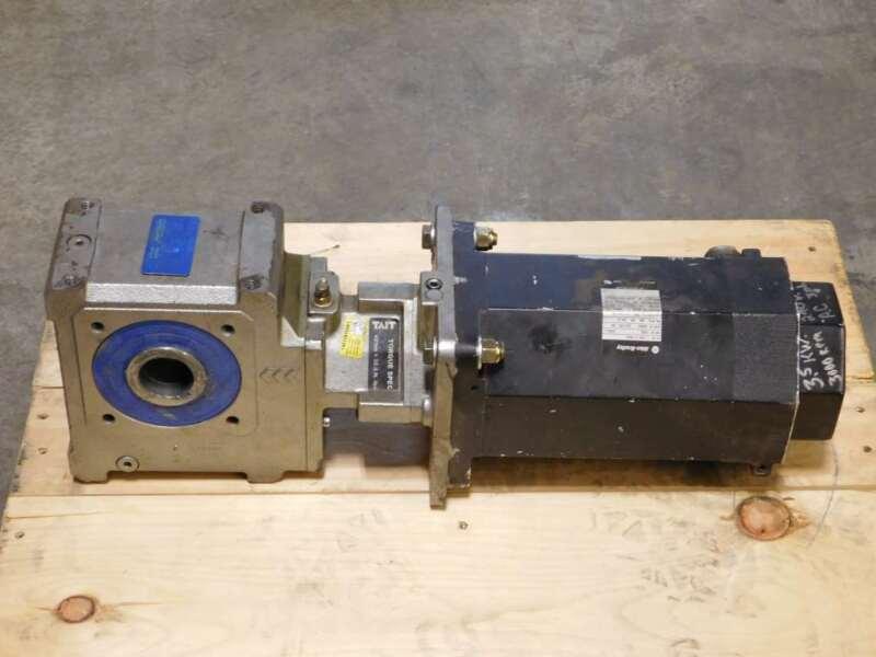 47.11:1 Diegua SUA507A Gear Reducer w/3.5KW Allen-Bradley F-6100-R-H04AA Serv...