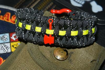 Reflective Firefighter Fire Rescue Bunker Turnout Gear 550 Paracord Bracelet