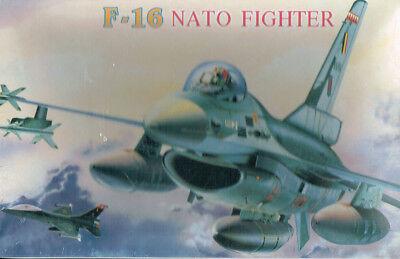 Nato F-16 Fighter Bausatz 1:72 Neu und OVP