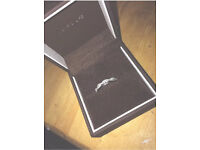18 carat white gold diamond ring OPEN TO OFFERS