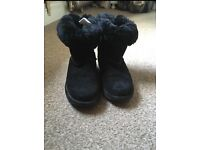 Emu boots size 3