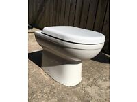 Enclosed toilet and cistern