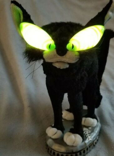 Fraidy Cat Gemmy HalloweenSings Eyes Glow Screechs Mouth moves BUT back does not