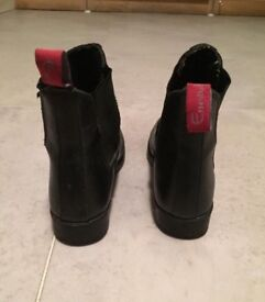 Riding Boots/ Muckers size 5