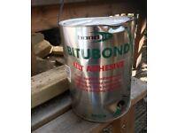 Bitumen adhesive