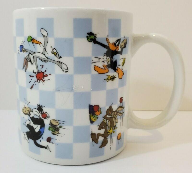 1995 - Six Flags / Looney Tunes - Food Fight Mug - Bugs Daffy Slyvester Wylie