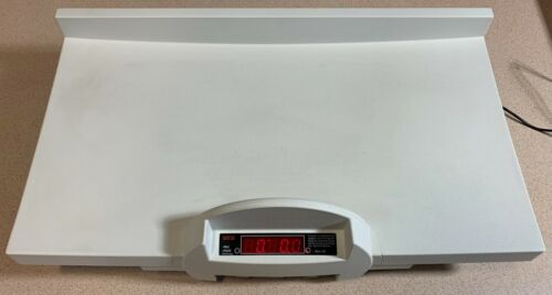 Seca 728 Digital Baby Scale with Fine Graduation & Power Supply