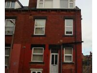 NO FEES! 3 Bedrooms Property Elizabeth Street Hyde Park LS6 1JF
