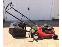 Sovereign NG460 petrol lawnmower with Briggs & Stratton engine and original grass box. Spares/repair