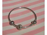 Pandora Bracelet in excellent condition