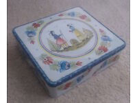 Retro French tin box (Brittany) - for the kitchen or to be used alternatively in the home...