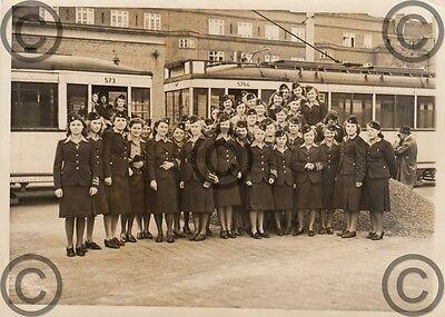 Foto, Kriegshilfsdienst, Schaffnerin, Strassenbahn, Berlin, Müllerstraße, 1941