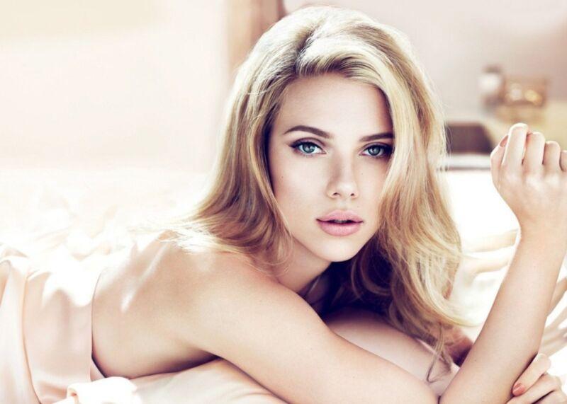 Scarlett Johansson Posing In Bed 8x10 Photo Print