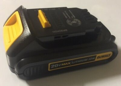 NEW DEWALT DCB207 20V 20 Volt Max Lithium-Ion 1.3Ah Compact Battery Pack
