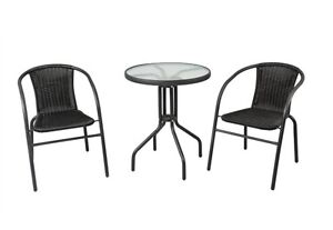 Outdoor bistros table and chairs