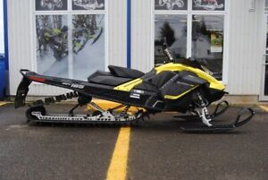 2017 SKI DOO SUMMIT 850 SP 165 WARANTY TILL 31 DEC 2019