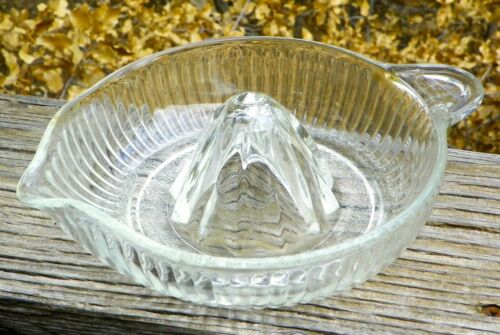 Vintage Glass CITRUS JUICER / Reamer 🍊 LARGE 🍊 MCM Mid-Century 🇺🇸 USA