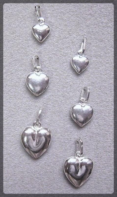 SPECIAL - PENDANT/CHARM - SET OF 6 STERLING SILVER PUFFED HEARTS.  (PH358-SS)