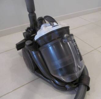 DYSON DC-29 WITH BREND NEW MOTOR BAGLESS VACUUM CLEANER IN VERY G