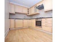 2 bedroom flat in Goswell Road, Clerkenwell