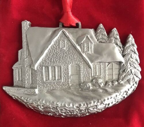 1997 MGIC Limited Edition of 8,000 A Schumann Christmas Pewter Ornament w/Pouch