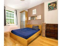 3 bedroom flat in Hemingford Road, Islington