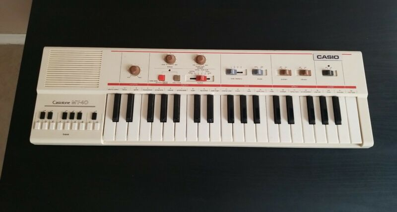 Casiotone MT-40 Portable Keyboard Synthesizer. TESTED. WORKING.