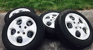 185 65 15 Winter tires and rims (fits Sentra 195 60 15)