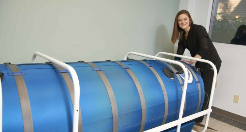 HBOT Hyperbaric Oxygen Chamber: OxyHealth Quamvis 320
