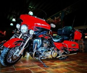 2010 Harley-Davidson FLHTCUSE4 CVO Ultra Classic Electra Glide L
