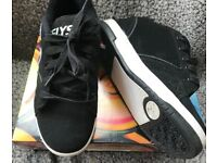 Black Unisex Heelys Size 2