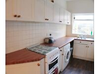 2 Double rooms available, only £60 per week.