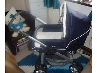Silver Cross pram/pushchair complete with many accessories & Crib AS NEW