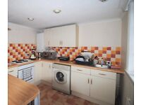 2 BED APARTMENT IN WESTBOURNE WITH PARKING!