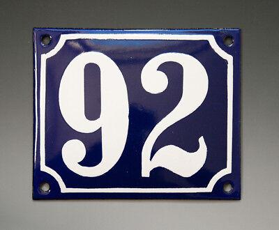 EMAILLE, EMAIL-HAUSNUMMER 92 in BLAU/WEISS um 1955-1960